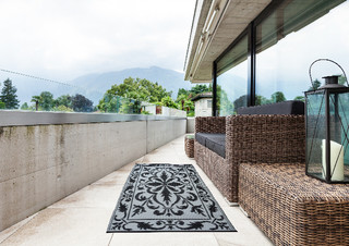 ESSCHERT DESIGN Koberec balkonový 198x78 cm, šedo-černý