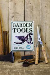 ESSCHERT DESIGN Cedulka zahradnické nůžky